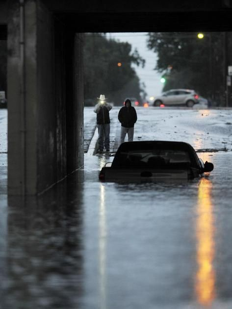 Storm drenches Fresno and Valley; lightning, flooding reported | Local News | FresnoBee.com
