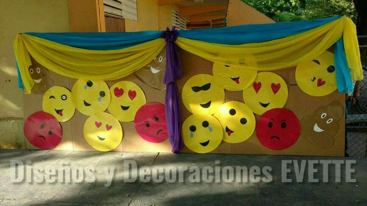Emojis Day Decoraciones Evette Guayama