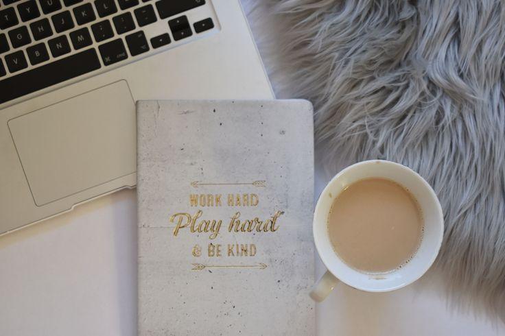 Emma Olsen - Hei Hei. Her vil jeg skrive om hvordan jeg snubler meg frem i livet med en god blanding av høye heler, jobb, meninger, skole, reiser, opplevelser, problemer og haugevis av spontanitet.