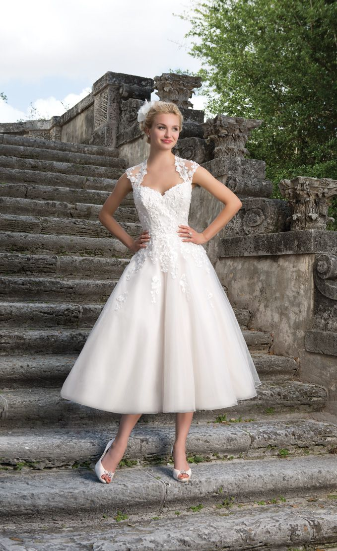 Vintage inspired wedding dress 1950x - Sincerity Bridal Spring 2016 Wedding Dresses | itakeyou.co.uk: