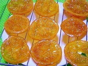 「オランジェやタルトに♪オレンジコンフィ」チョコがけしたオランジェが作りたくてオレンジを煮ました。タルトにもおススメ、次はブラッドオレンジやレモンでも作りたいと思ってます。【楽天レシピ】