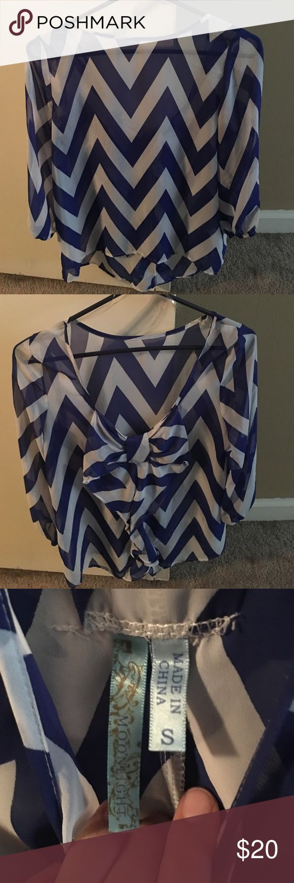 Chevron bow back shirt! Worn once! Boutique shirt with bow back! Francesca's Collections Tops Blouses