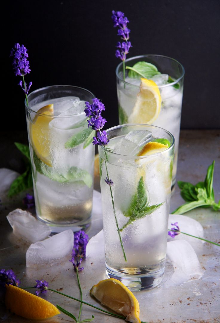 Summer Garden Gin Fizz #drinks #cocktail #recipes
