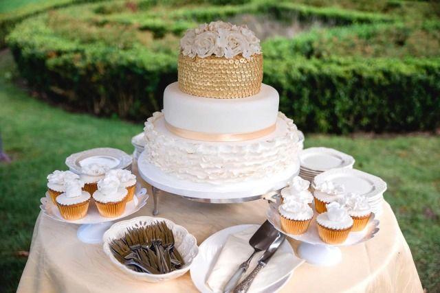 Credit:  - taart, nagerecht, huwelijk (ritueel), eten, tabel (meubels), crème, geen persoon, heerlijk