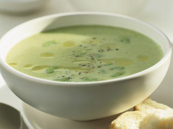Cremige grüne Bohnensuppe ist ein Rezept mit frischen Zutaten aus der Kategorie Gemüsesuppe. Probieren Sie dieses und weitere Rezepte von EAT SMARTER!