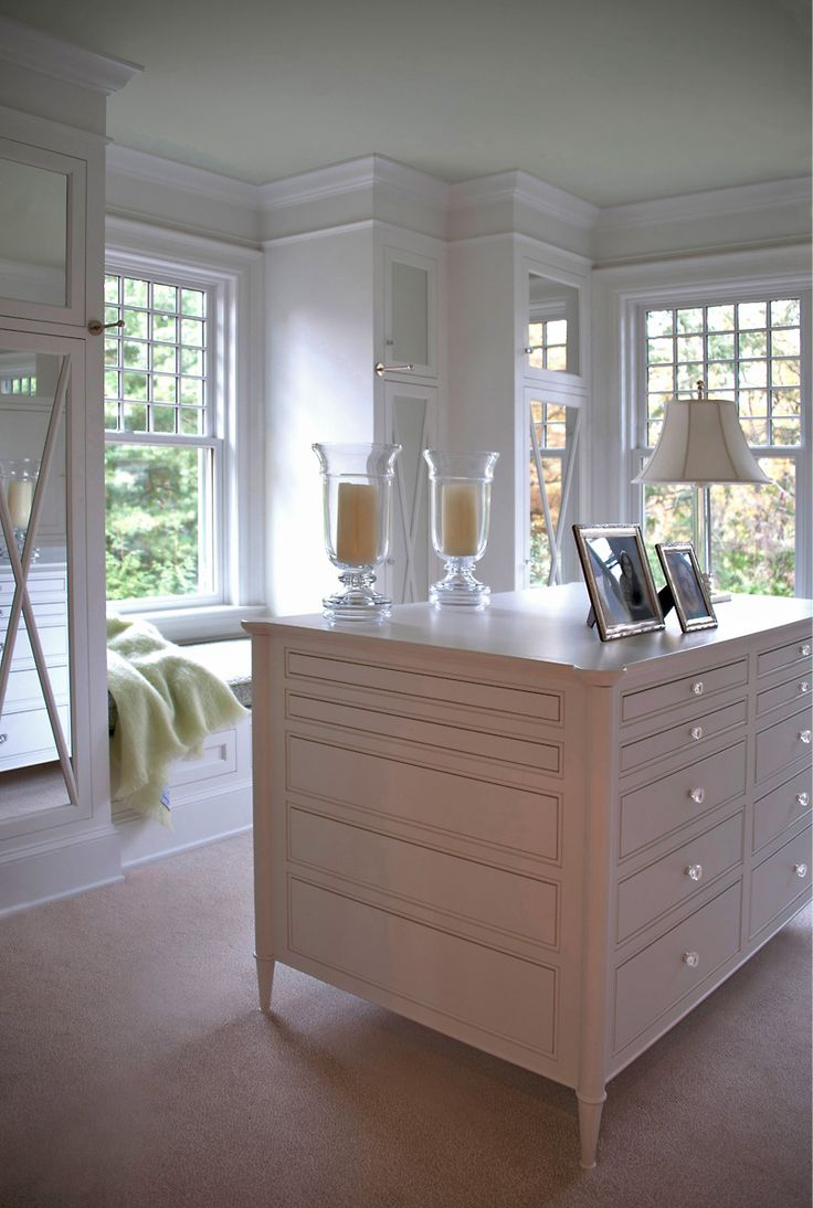 Dressing area | natural light and fab mirrored cabinets | Donald Lococo Architects