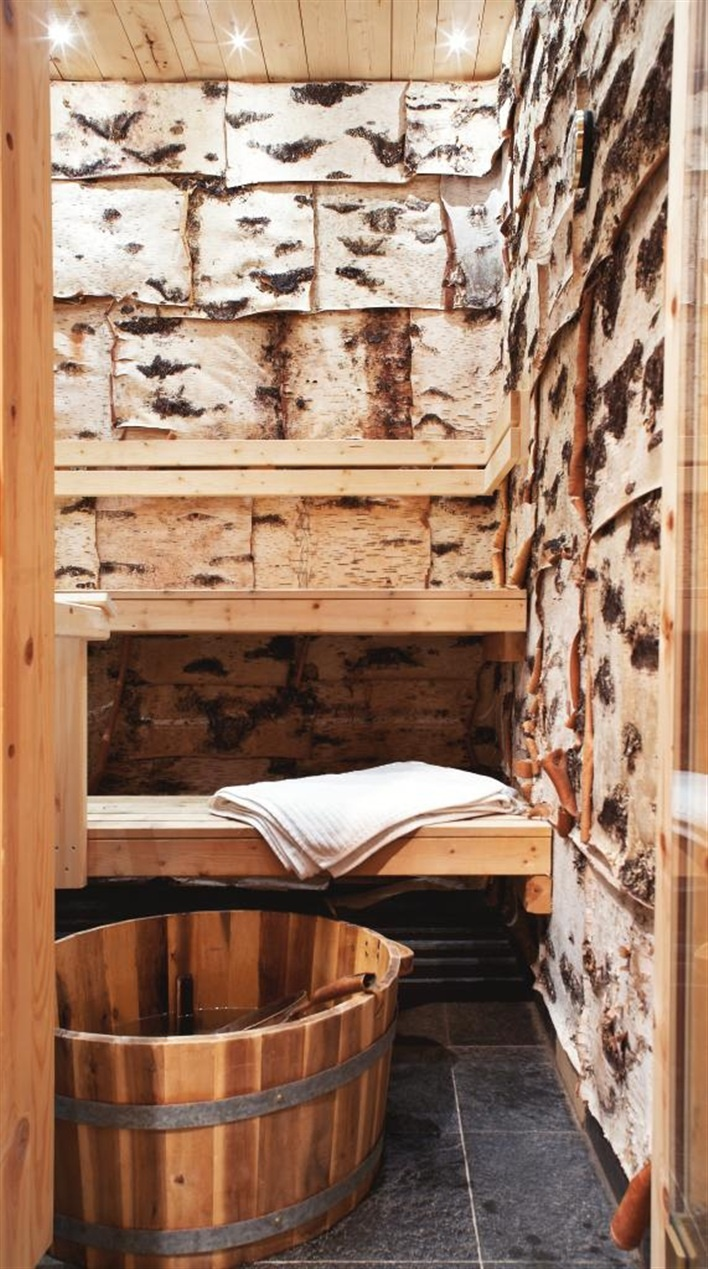 Real Birch Wallpaper via http://www.husohem.se/Hem/Fritidshus/Ramundberget/# #birch