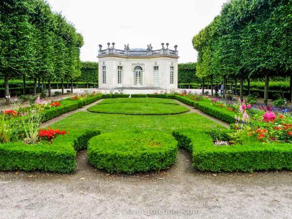 El pequeño Trianon dominio de Maria Antonieta- Palacio de Versalles http://aristofennes.com/maria-antonieta-trianon-palacio-versalles/