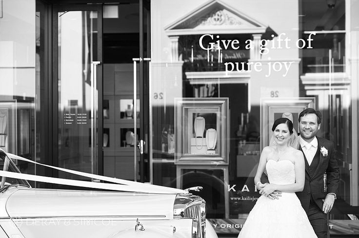 Vintage inspired wedding Location ~ King Street, Perth  Photography by DeRay & Simcoe