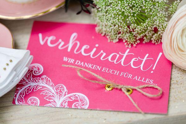 Ein Hochzeits-Styleshooting mit Federn    Foto: OctaviaplusKlaus