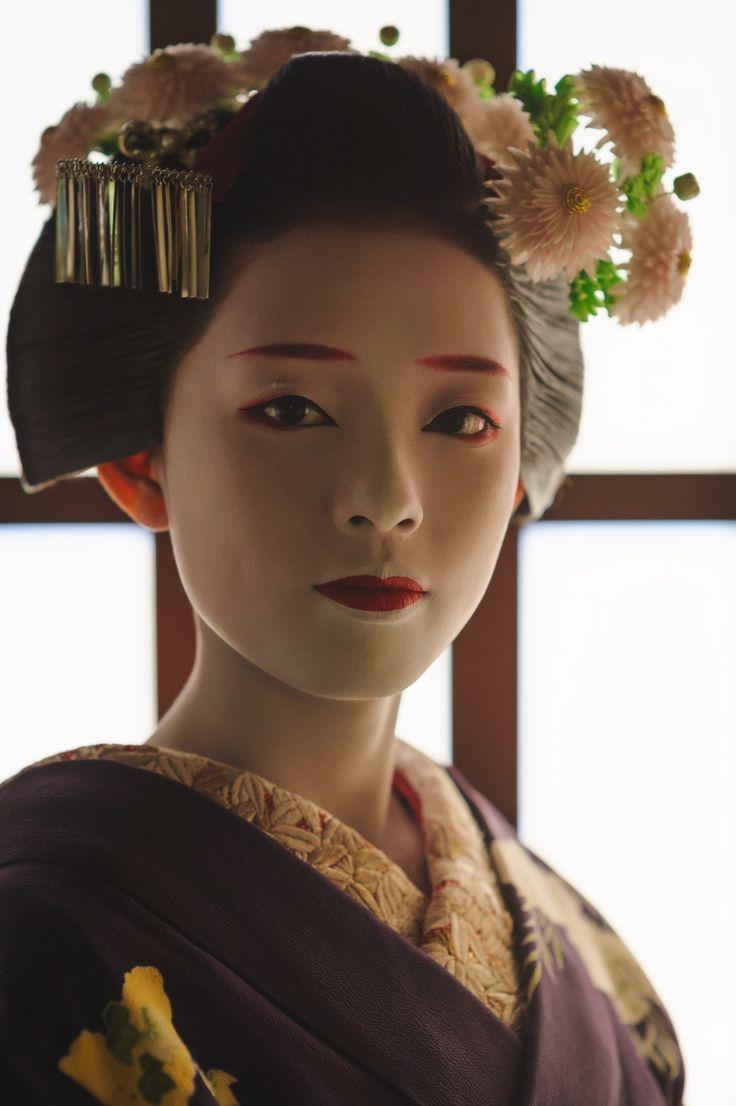 John Paul Foster - A Photographer of Geisha, Maiko, and Kyoto - Geisha & Maiko I - 8