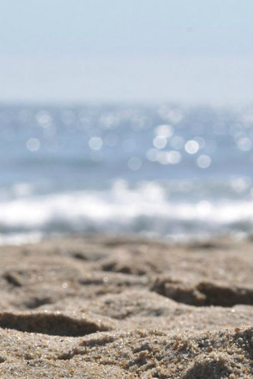 Beach days-missing that sparkle in the sand, those lovely glints of brightness and shimmer off the water...