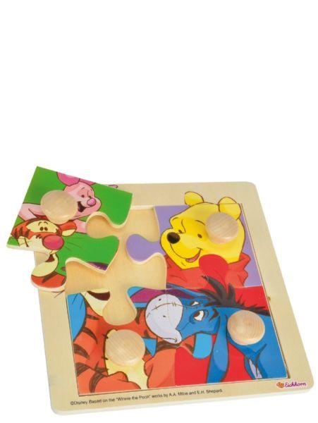 Nalle Puh -nuppipalapeli on täydellinen lapsen ensimmäinen palapeli: selkeät isot kuvat, pieneen käteen sopivat nupit ja 4 palaa. Tästä se palapeliura alkaa! Koko 20 x 20 cm. Yli 1-vuotiaille.