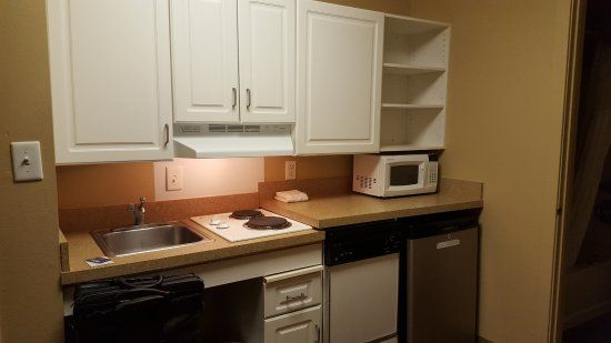 Extended Stay America - Piscataway - Rutgers University: Kitchenette