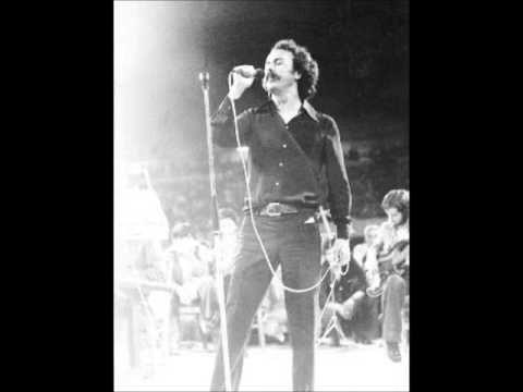 Ο Γίγαντας - Νίκος Ξυλούρης (live Ηρώδειο) - YouTube