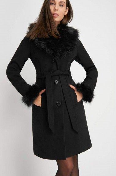 Palton cu blăniță și legat cu cordon