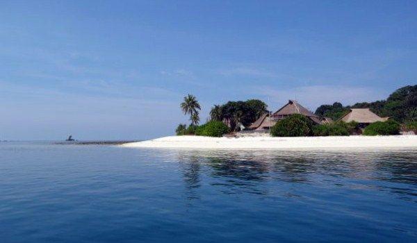 Pulau di Karibia? Salah. Ini adalah Kepulauan Riau.