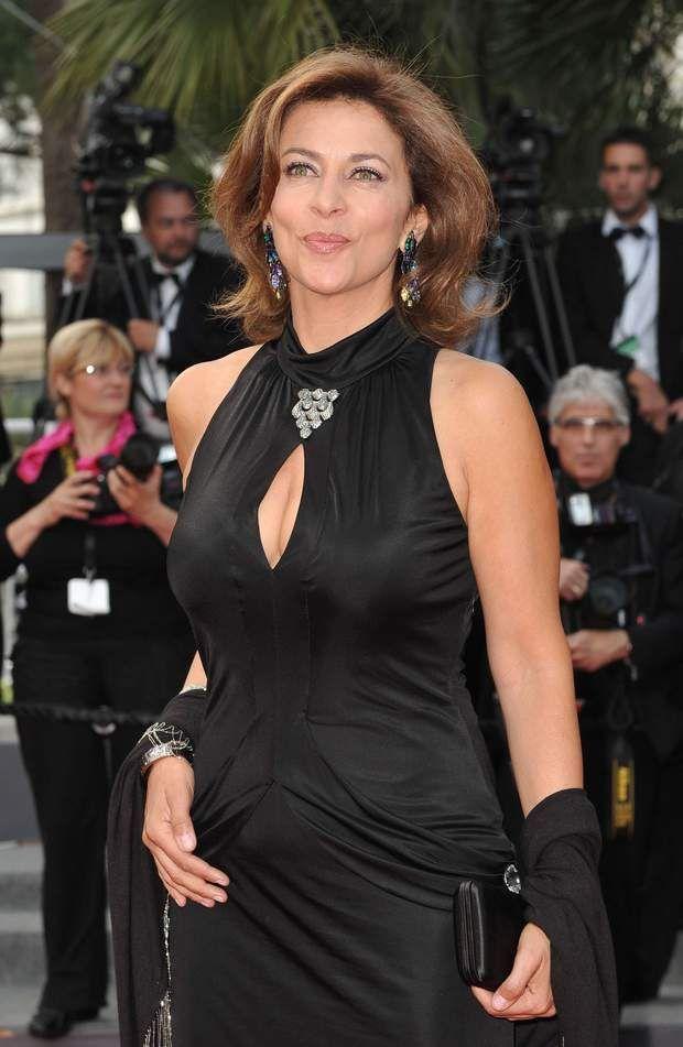 Corinne Touzet au festival de Cannes en 2011Mandat…