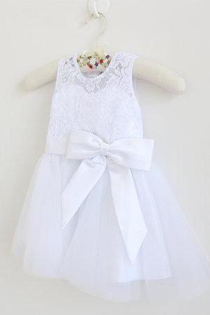 White Lace Flower Girl Dress Long Baby Girls Dress Lace Tulle White Flower Girl Dress With White Bows Sleeveless Floor-length D9