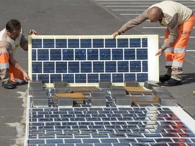 France to pave 1000km of roads with solar panels