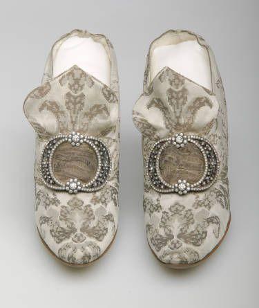 1910 Shoes Paris (F. Pinet) silk satin rhinestone buckle
