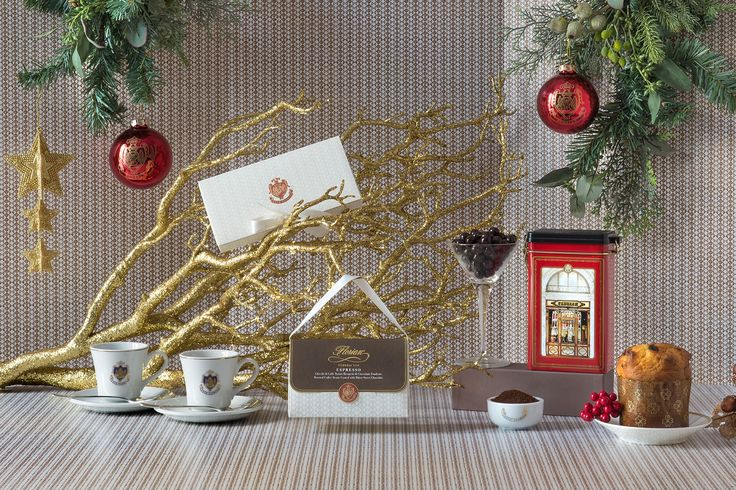 Un momento di puro relax per rivivere l'incanto di un'emozione al Florian. Acquista subito online at http://shop.caffeflorian.com/caffe-al-florian-268  A stylish moment of pure relaxation to enjoy the Florian experience. Buy this Christmas hampers at http://shop.caffeflorian.com/caffe-al-florian-268 #Christmas #Natale #hamper #gift #confezione #regalo #coffee #Panettone #tazzina #espresso