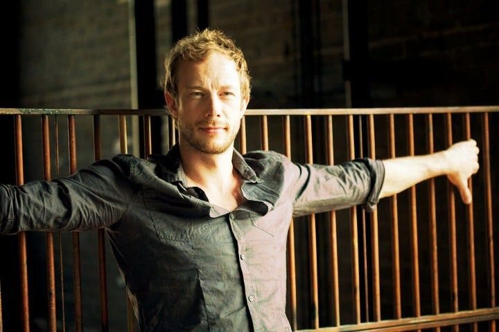 Kris Holden | Kris Holden-Ried - Lost Girl Photo (30775430) - Fanpop fanclubs