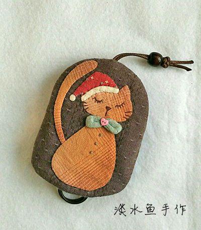 [转载]【淡水鱼手作】乡村女孩风琴钱包&小猫钥匙包&玫瑰贝壳包