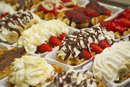 Five 'Must Eat' Street Foods in Paris: Travel Photos, Street Food, Delicious Treats, Photos Belgium, Belgian Waffles Recipe, Food In Paris, Travel Food, Daily Meals, Food Travel