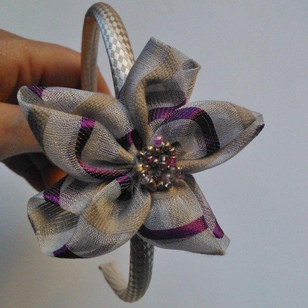Diadema forrada con flor de tela