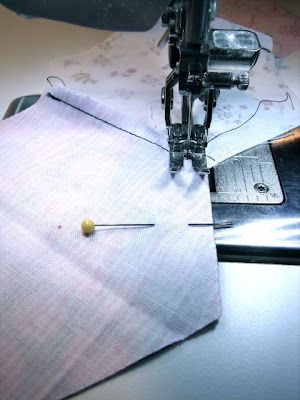 Tutorial shows how to sew hexagons together by machine. With no marking