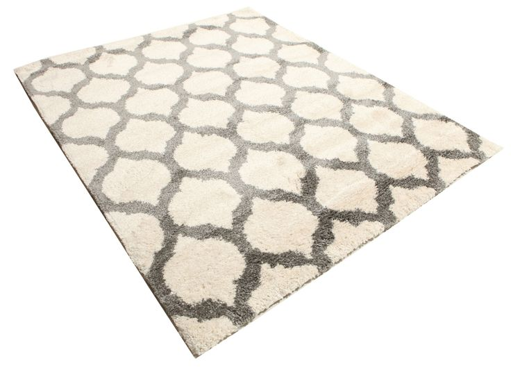 Nuestras alfombras Shaggy, sumamente populares, se adaptan a la mayoría de hogares modernos y habitaciones de niños y de adolescentes.  Estas alfombras de pelo tupido y colores excitantes son muy suaves y confortables para pasar o para relajarse delante del televisor.