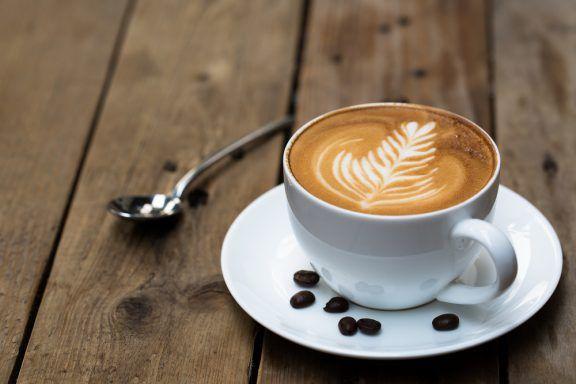 Latte Art Kurs in Berlin – Farnblatt aus Milchschaum