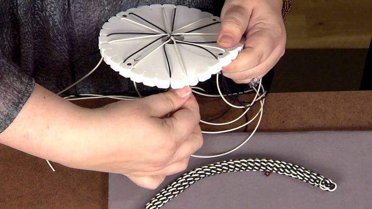 Jill Wiseman on Beads Baubles and Jewels - demonstrating Kumihimo with Leather and Beads!
