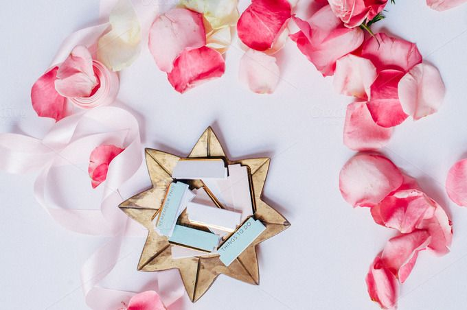 Blush Pink Roses I Styled Stock by ImagineYou on @creativemarket #feminine #stockphotography #styledstock #blogging #bloggingresources #resources #creativemarket #stock