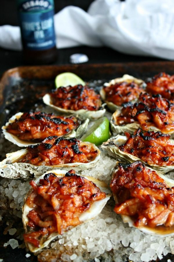 Oysters kilpatrick, an Australian favorite. Fresh oysters are broiled with bacon, worcestershire sauce, horseradish, ketchup and hot sauce. Easy recipe.