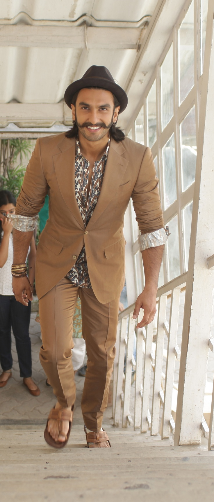 Ranveer Singh arrives Love Japals with a suit - nice style