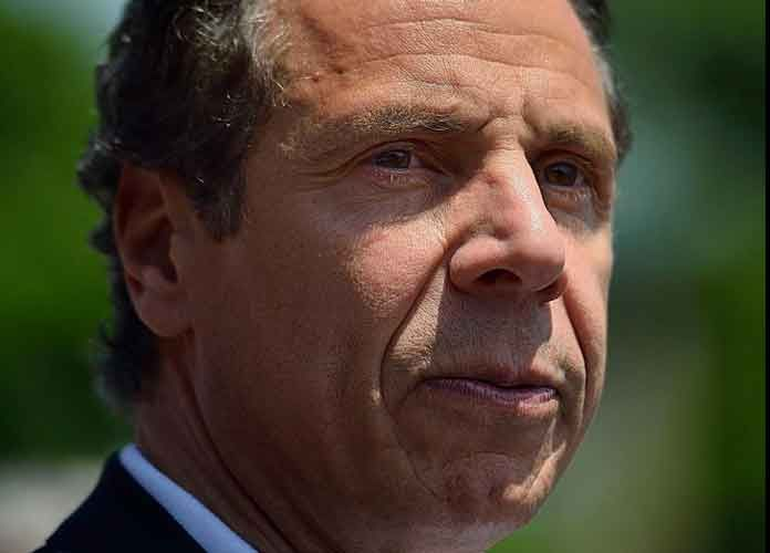 Gov Andrew Cuomo Orders All New Yorkers To Wear Masks When In Public In 2020 Andrew Cuomo Governor Social Distance