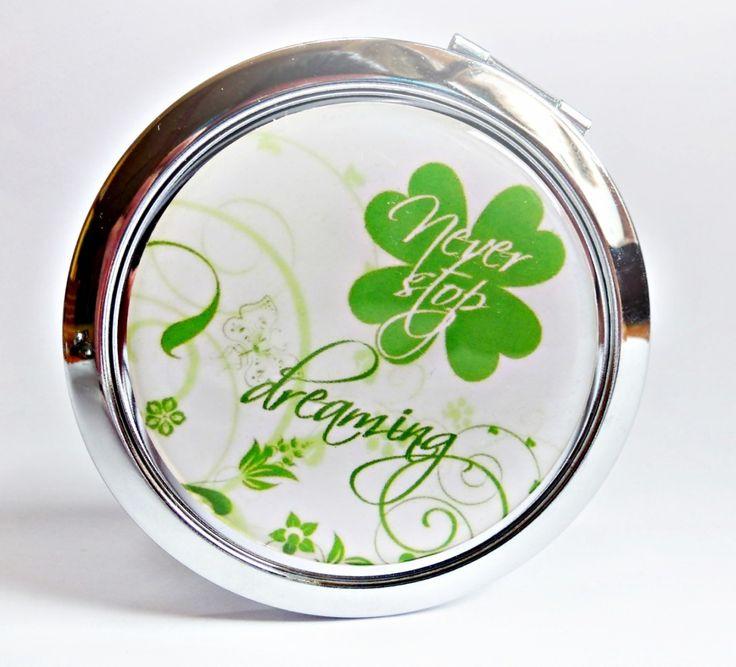 milý i praktický dárek  zrcátko s motivem čtyřlístku, přikryté epoxy čočkou…