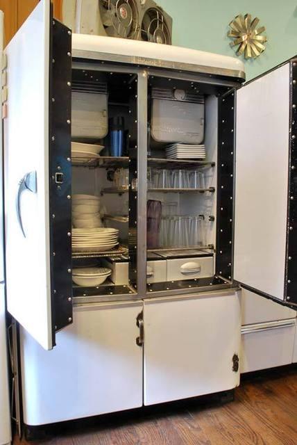 258 best vintage refrigerators ice boxes images on pinterest. Black Bedroom Furniture Sets. Home Design Ideas