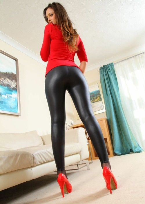 girl fucking in leatherleggings