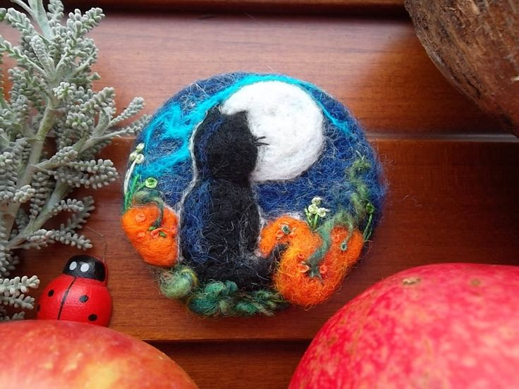 needle felted cat brooch felt black kitten pin halloween gift wool felt animal cat jewelry Japan art cat lover gift birthday for her sister by MondoTSK on Etsy