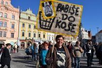 Demonstrace proti A. Babišovi/ Foto: M. Osvaldová  http://plzen.cz/fotogalerie/?gal=demonstrace-proti-a.-babisovi--foto-m.-osvaldova&id=240