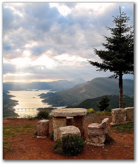 GREECE CHANNEL | view of lake Kremaston, Greece