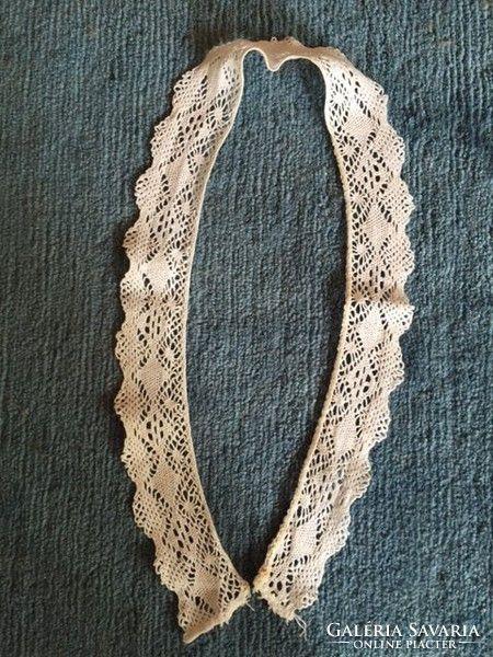 Fehér, régi gépi csipke női gallér
