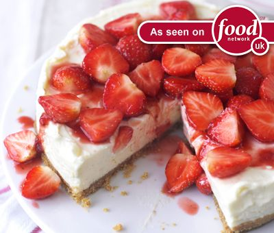 Cheesecake & Baking Recipes, Easy Cheesecake Recipe - Strawberry Cheesecake | Nestlé Carnation