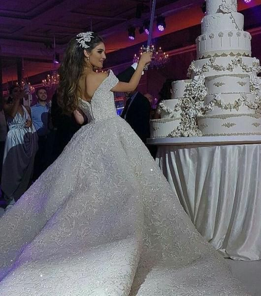 Best 25 Ball Gown Wedding Ideas On Pinterest: Best 25+ Luxury Wedding Dress Ideas On Pinterest