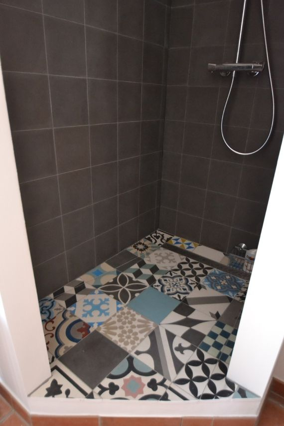 sol douche carreaux ciment patchwork carreaux salle de bains pinterest photos et patchwork. Black Bedroom Furniture Sets. Home Design Ideas