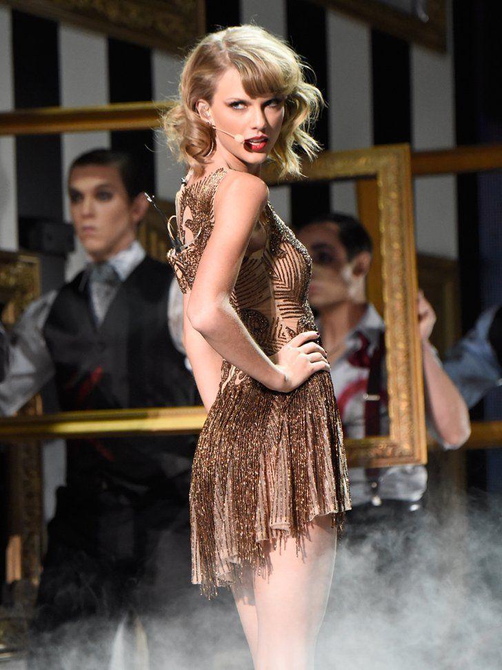 "Pin for Later: Taylor Swift's Auftritt bei den American Music Awards war etwas . . . beängstigend?! ""Wenn du damit nicht klar kommst, dann lass' es bleiben!"""