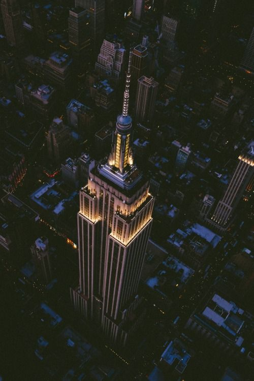 Empire State Building, NYC . The Awesomeness in this Planet